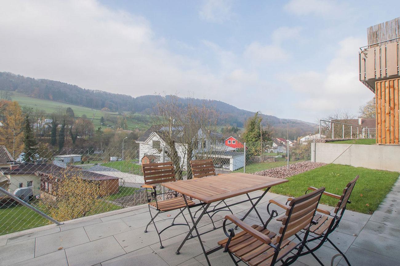 VERKAUFT - Schöne 2.5 Zimmer Wohnung mit Garten in ...